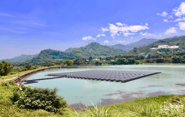 馬鞍後池水上光電站截至今年7月底已發出14萬5807度電,一年約可發出38萬度電,等同約1152戶家庭用戶的月用電量。