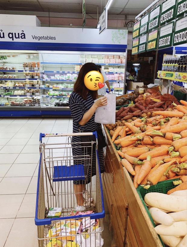 27 Tuổi, Ở Sài Gòn - Không Đi Bar Nhưng Vẫn Cạn Sạch Tiền Vì Siêu Thị