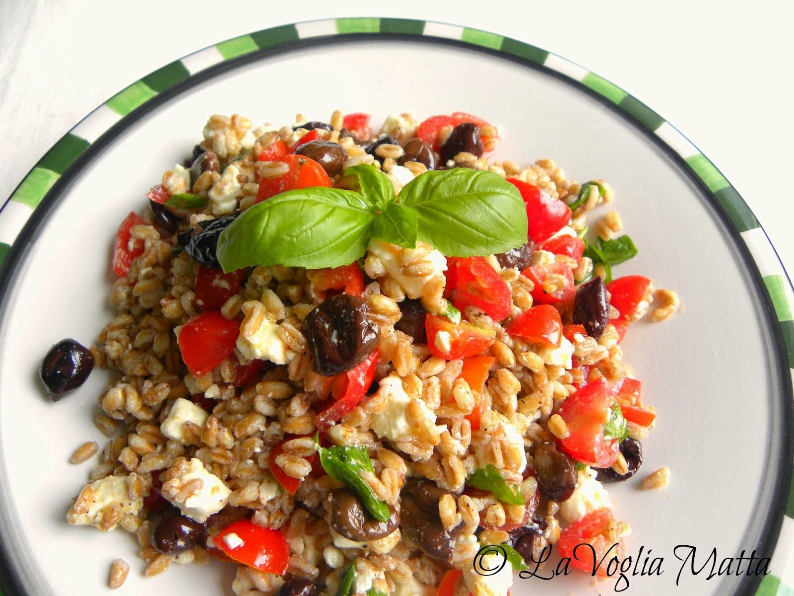 insalata di farro , olive taggiasche, pomodorini e feta