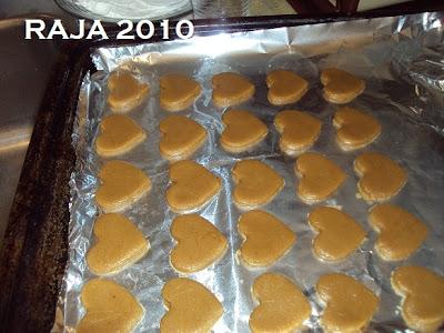حلويات عيد الفطر جزائرية  بلاطو لاشكال عديدة بعجينة واحدة بالصور 8.jpg