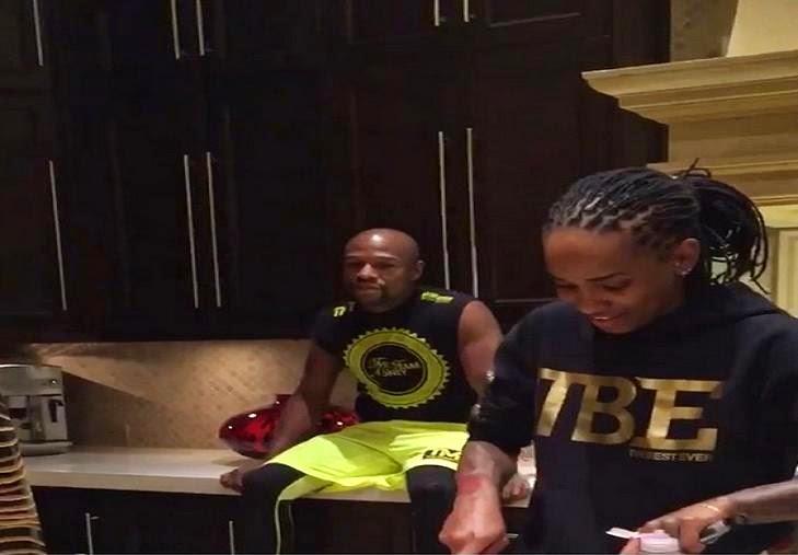 """¿Crees que Floyd """"Money"""" Mayweather Jr. no está tomando a Pacquiao en  serio  El atleta mejor pagado del mundo ha contratado a una chef personal a  tiempo ... 89c18cda8cb"""