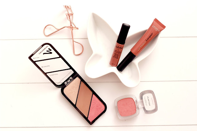 4 Peachy Summer Nudes