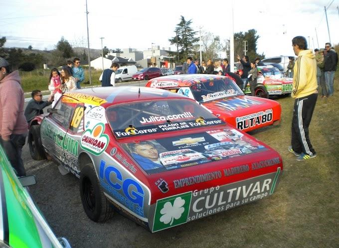Fueron exhibidos los autos de APAC y  sus teloneras en Tandil