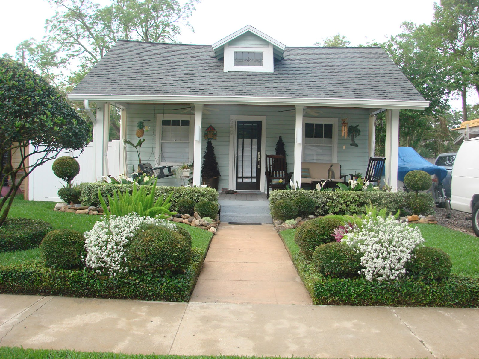Earth Shattering Gardening: Creating A Florida Cottage Garden on Cottage Yard Ideas id=17926