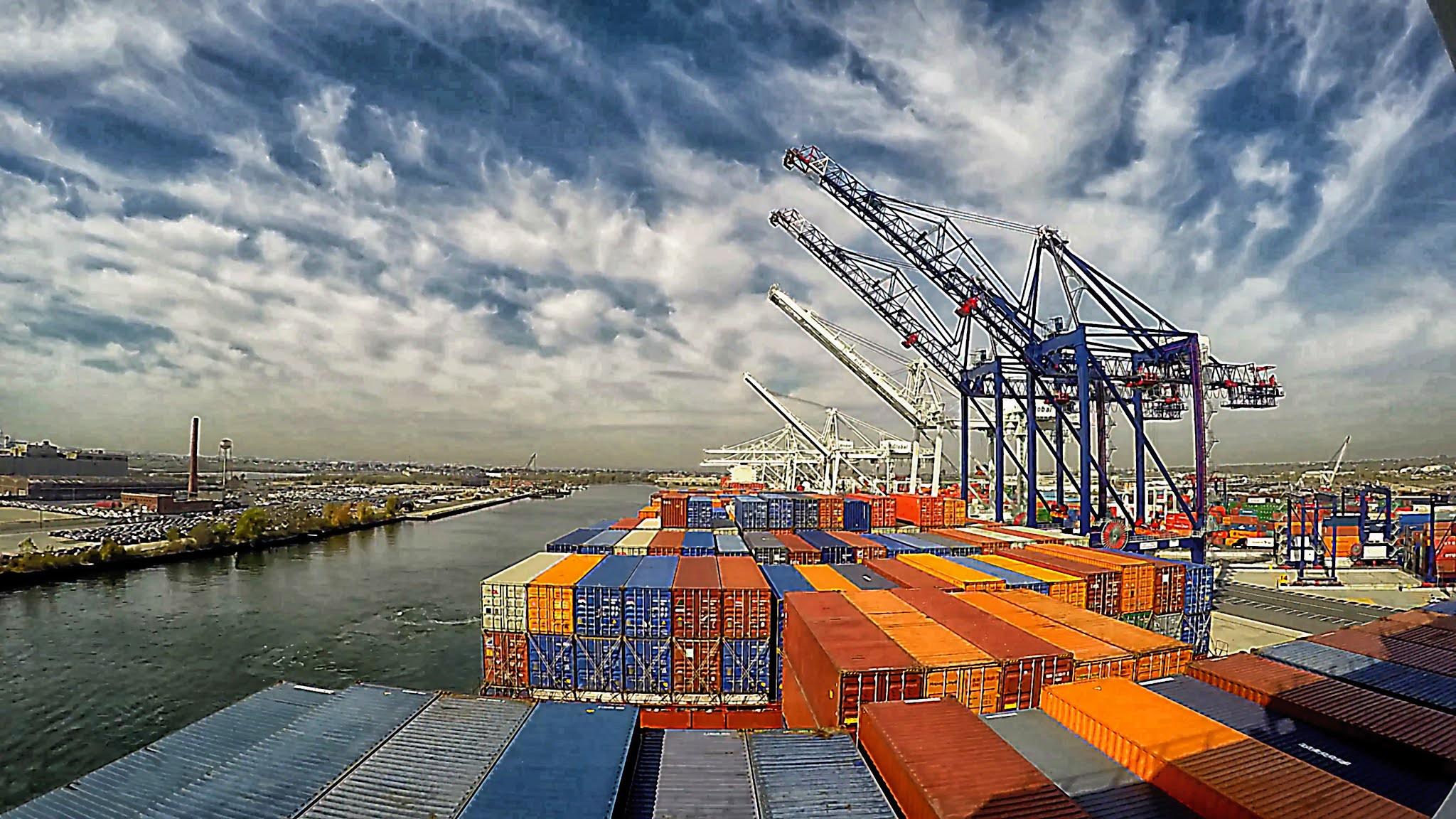 قفزة في التجارة بين الإمارات والأردن خلال 10 سنوات