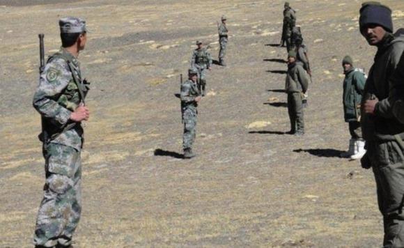 """Căng thẳng biên giới Trung – Ấn: Trung Quốc bất ngờ tăng quân, Ấn Độ dọa """"tiên phát chế nhân"""""""