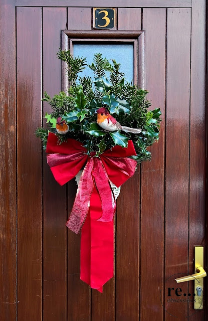 Christmas decor, door, wall, wicker paper, bird, eco