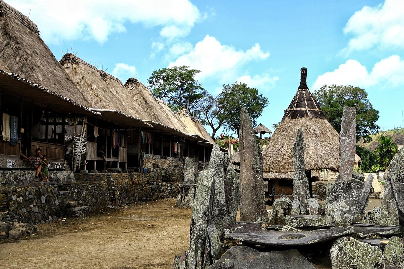 Altar Adat Yang Menunjukkan Budaya Megalitikum Kampung Bena