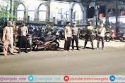 Demi Kelancaran Ibadah Tarawih, Personil Polsek Enrekang Lakukan Pengamanan di Masjid