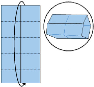 Bước 7: Gấp lộn một vòng tròn và nhét giấy vào trong giữa 2 lớp giấy. Lưu ý chỉnh vuông cạnh giấy.