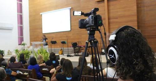 Igrejas evangélicas terão de diminuir horários em TV, diz Justiça do Rio