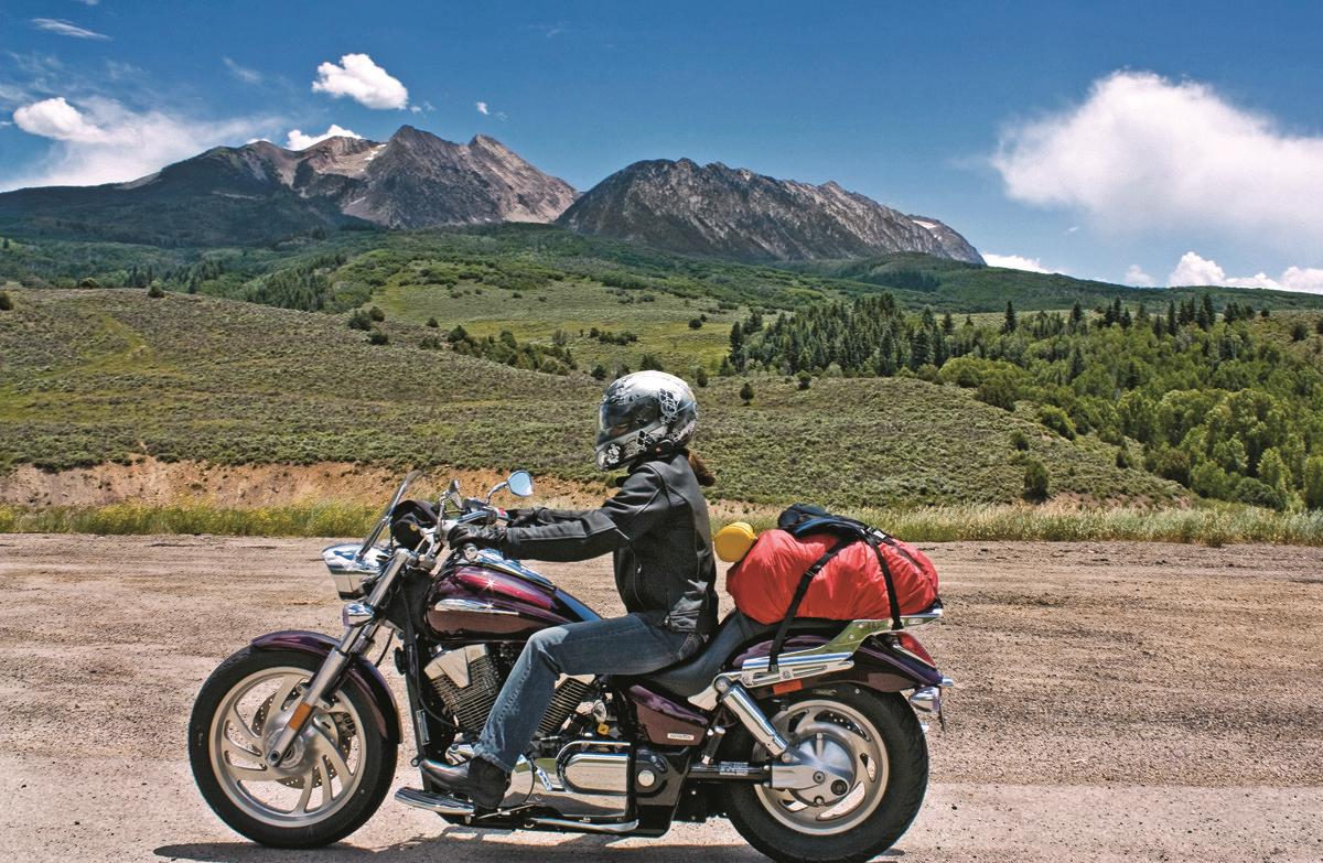 tips travelling naik motor