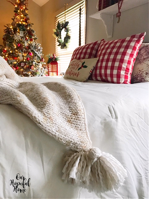 knit throw tassels bed Christmas tree red check pillows