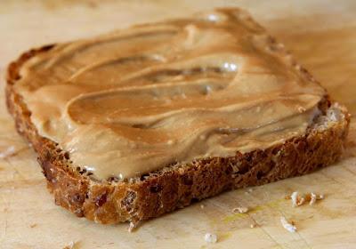 mantequilla de cacahuete casera o mantequilla de maní