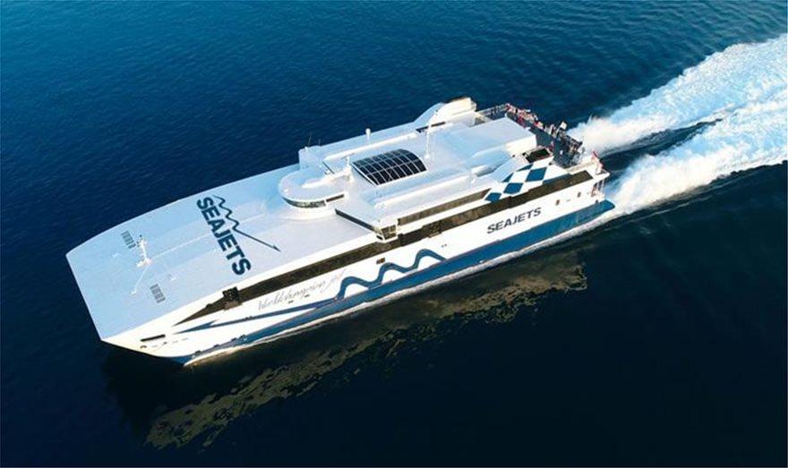 Σύρος: «Εξέγερση» επιβατών σε πλοίο επειδή δεν δούλευε το κλιματιστικό
