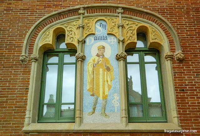 Mosaicos de São Cosme e São Damião no Pavilhão de Operações do Hospital Sant Pau de Barcelona