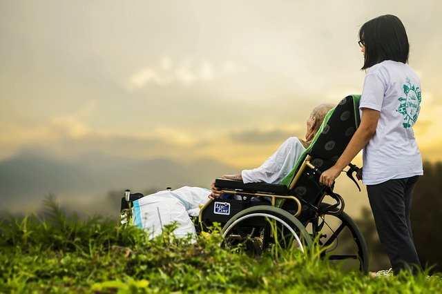كيفية رعاية مريض ألزهايمر؟