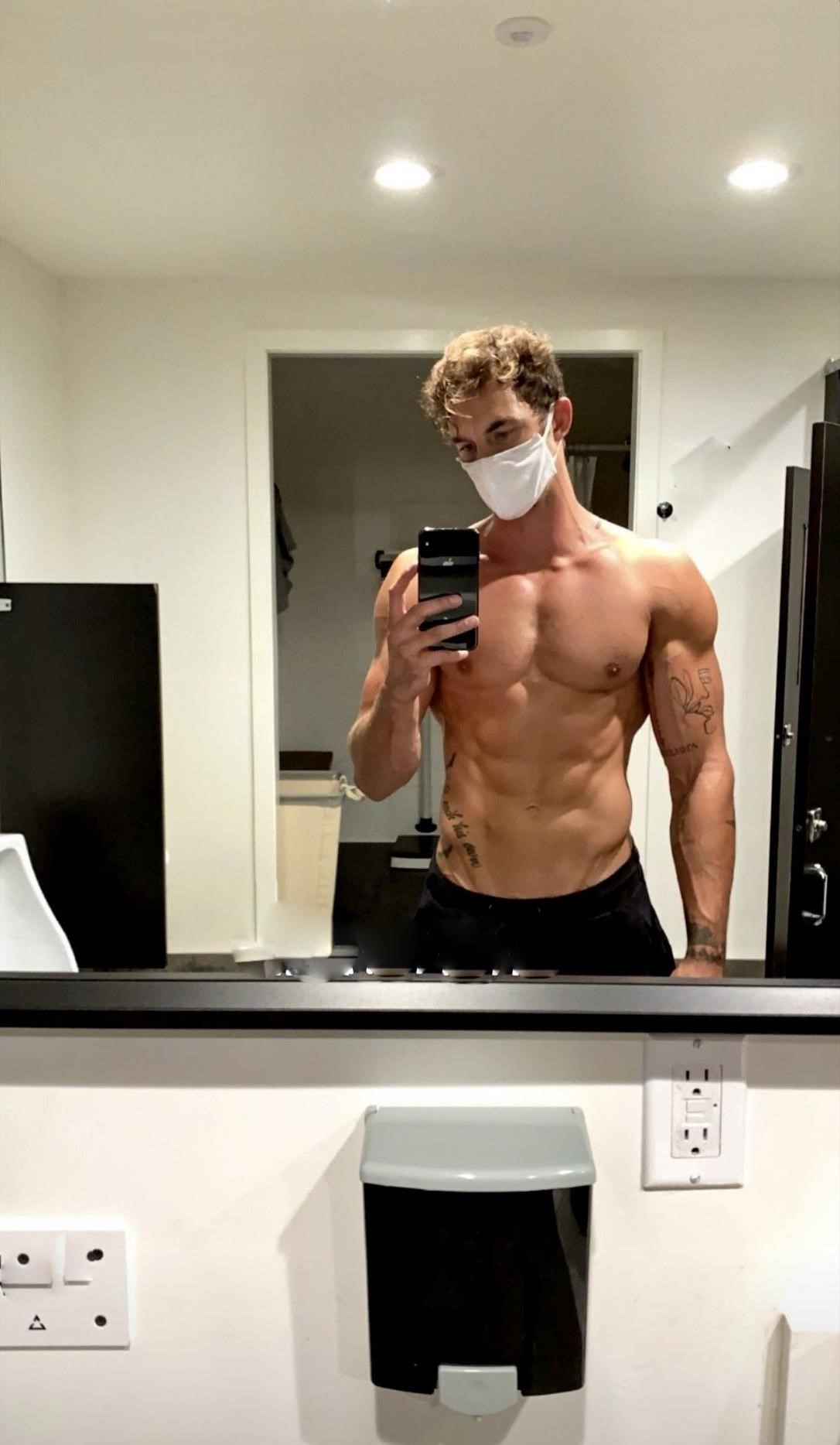 sexy-shirtless-muscular-pecs-hunk-christian-hogue-face-mask-selfie