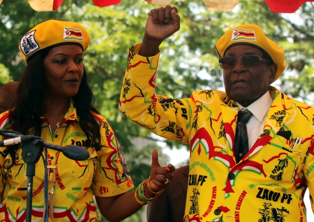 Zimbabwe-latest:-Mugabe-in-talks-over-his-future