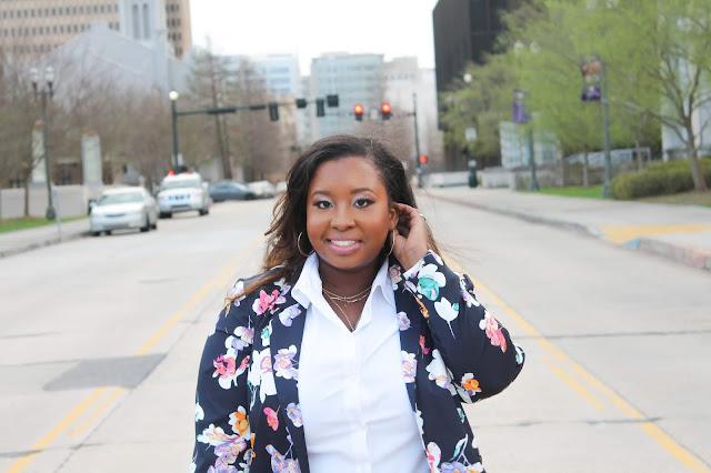 Career Woman Blogger Lifestyle