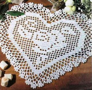 Crochet heart by filet crochet