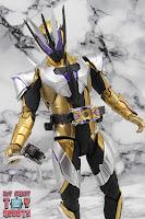 S.H. Figuarts Kamen Rider Thouser 32