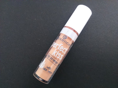 essence perfect kiss lip primer 01 unstoppable kiss