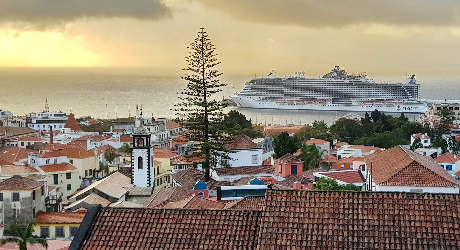 MSC Seaview estreia e ruma ao Brasil