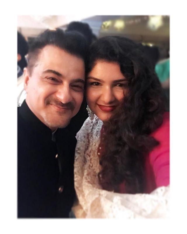 This photo of Arjun Kapoor and his sister Anshula Kapoor
