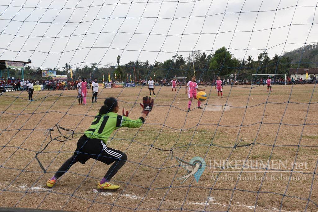 Kalahkan Geblug, PS Srikandi Jladri Juara Turnamen Sepak Bola Putri Kapolsek Buayan Cup 2019