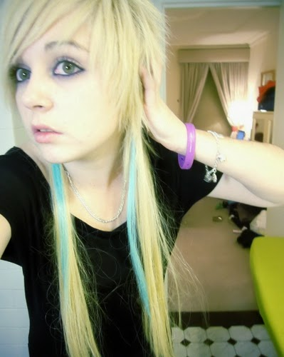 girl emo Young blonde teen