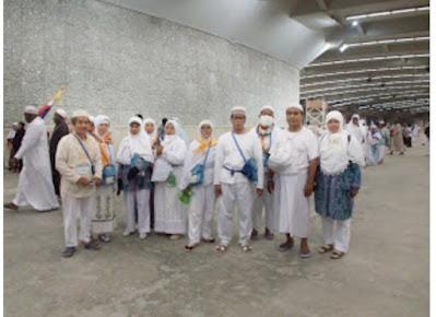 Perjuangan Melontar Jamrah Aqobah