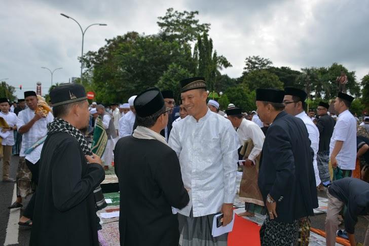 Danrem 141/TP,  Sholat Idul Fitri I Syawal 1440-H/2019-M, Bersama Forkopinda Kab Bone