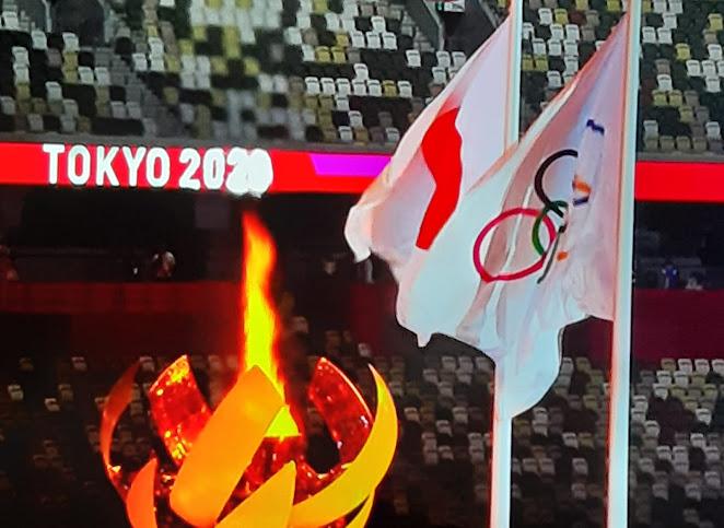 Tokyo 2020, oggi la cerimonia d'apertura: droni in cielo per disegnare dal logo il globo, Naomi Osaka accende il braciere