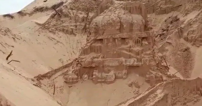 Villagers Just Discovered Lost Shiva Temple Buried in Sand