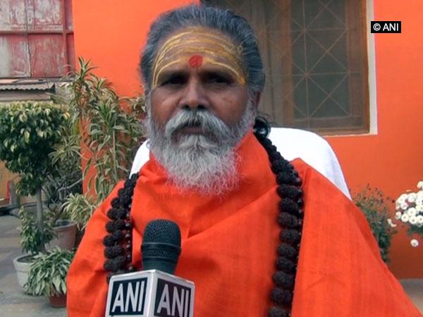 Akhil Bharatiya Akhada Parishad chief Narendra Giri