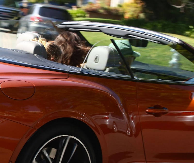 Heidi Klum and Tom Kaulitz Driving Out in Their Bentleyt Convertible  16 Feb-2020