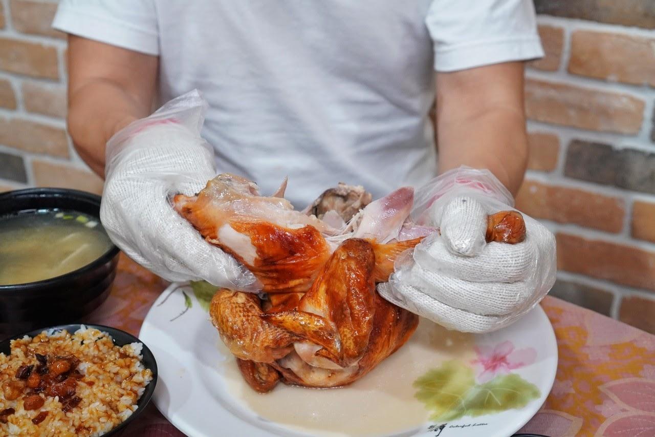 台南安平區美食【柱老爹桶仔雞】台南最夯桶仔雞推薦,沒事先預約可是吃不到的喲!再也不用特地跑山跑南投就能品嚐到的鄉村美味|安平區美食推薦