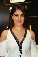Isha Talwar Looks super cute at IIFA Utsavam Awards press meet 27th March 2017 57.JPG