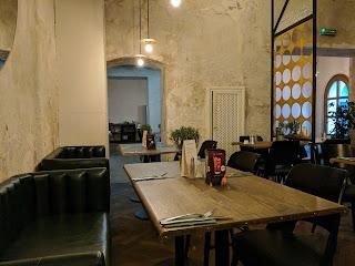 czarcia lapa lublin restaurant interior