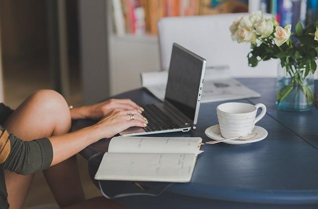 freelancing copywriter content strategist