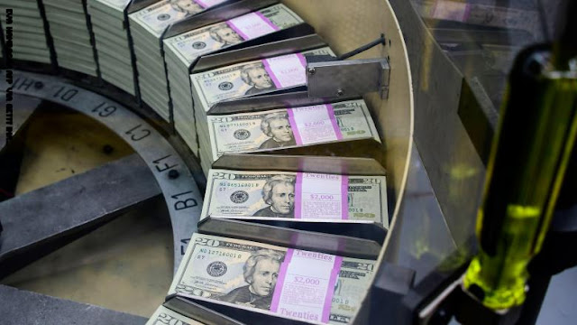 "ديون العالم تسجل رقماً قياسياً وارتفاعها يشكل ""خطراً حقيقياً"""