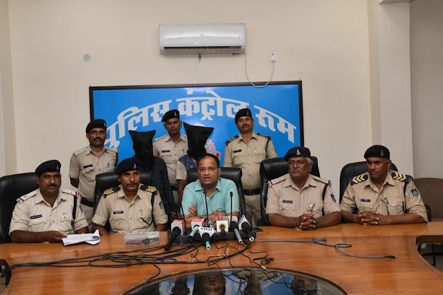 जबलपुर पुलिस ने लुटेरो को पकड़ किया वारदातों का खुलासा   jablpur police ne lutero ko pakda