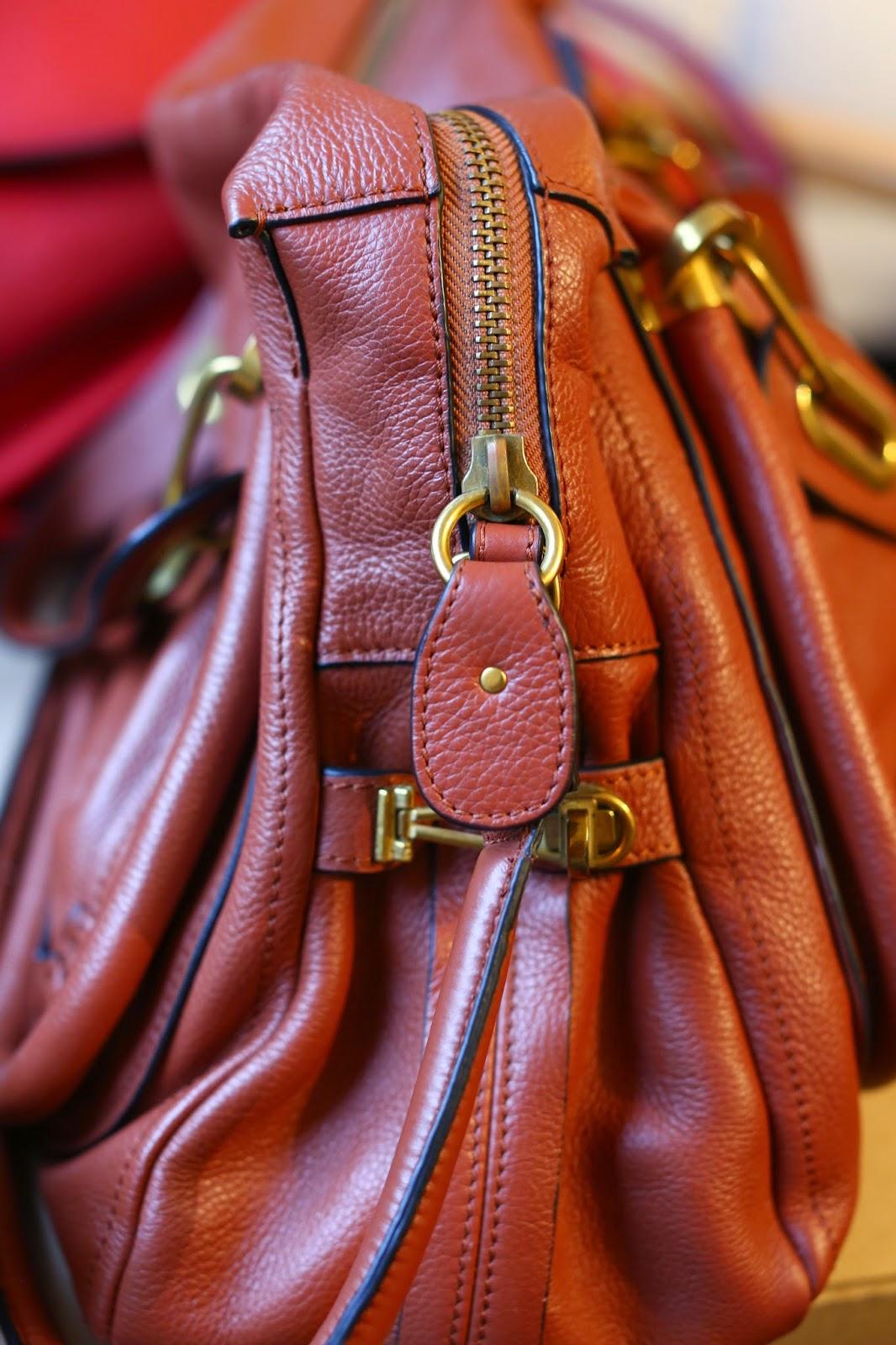 537e594b3a Quelle que soit la taille du sac la largeur de la bande de cuir en haut du  boudin mesure 4cm sur les sacs CHLOE authentiques.