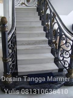 desain tangga rumah dengan marmer