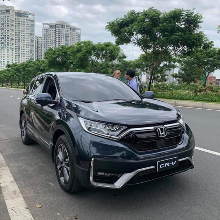 Honda CR-V bản lắp ráp 2020 đầu tiên lăn bánh ra đường tại Việt Nam, tiết lộ tính năng an toàn mới