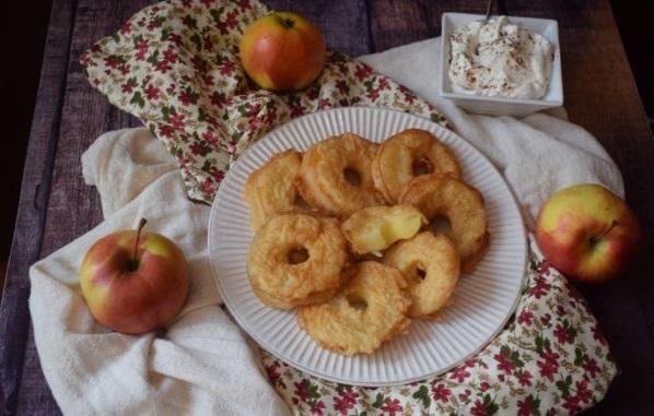 """Вкуснятина к чаю за 15 минут """"Яблоки в кляре"""": рецепт самого вкусного кляра для яблок"""