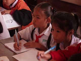 शिक्षक परीक्षा के दौरान छात्रो की निगरानी कैसे करें