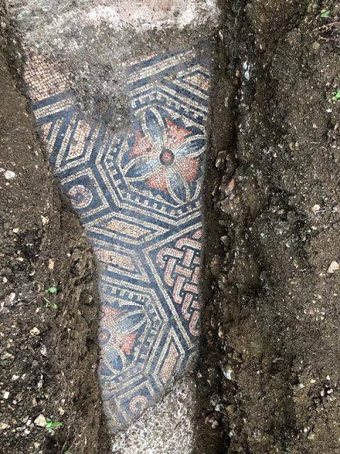 Ιταλία: Στο φως εντυπωσιακό αρχαίο ψηφιδωτό δάπεδο
