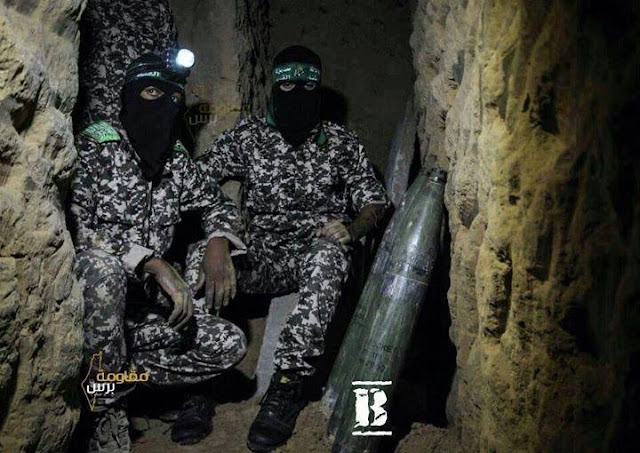 https://1.bp.blogspot.com/-O5qOS_XO-0U/VuIytH5uAwI/AAAAAAAAG-E/9YYIsEfVMtcvDITkzxOkgC_O7vmMG6aIQ/s1600/Brigade-Al-Qassam-Suriah-2.jpg